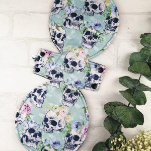 Serviette hygiénique lavable Crâne turquoise - 16 pouces | Atelier Zone Verte